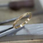 オーダーメイドマリッジリングの制作風景 ジュエリーのアトリエ 屋久島のシダモチーフ 屋久島でつくる結婚指輪