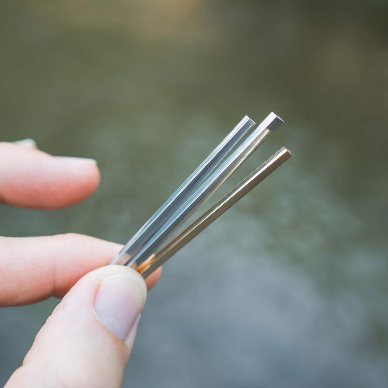 ピントを変えて 川水のキラキラ オーダーメイドマリッジリングの素材 プラチナ、ゴールド 屋久島でつくる結婚指輪