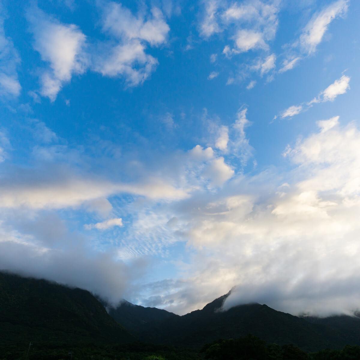 屋久島の朝の空 屋久島日々の暮らしとジュエリー オーダーメイドマリッジリングのモチーフ