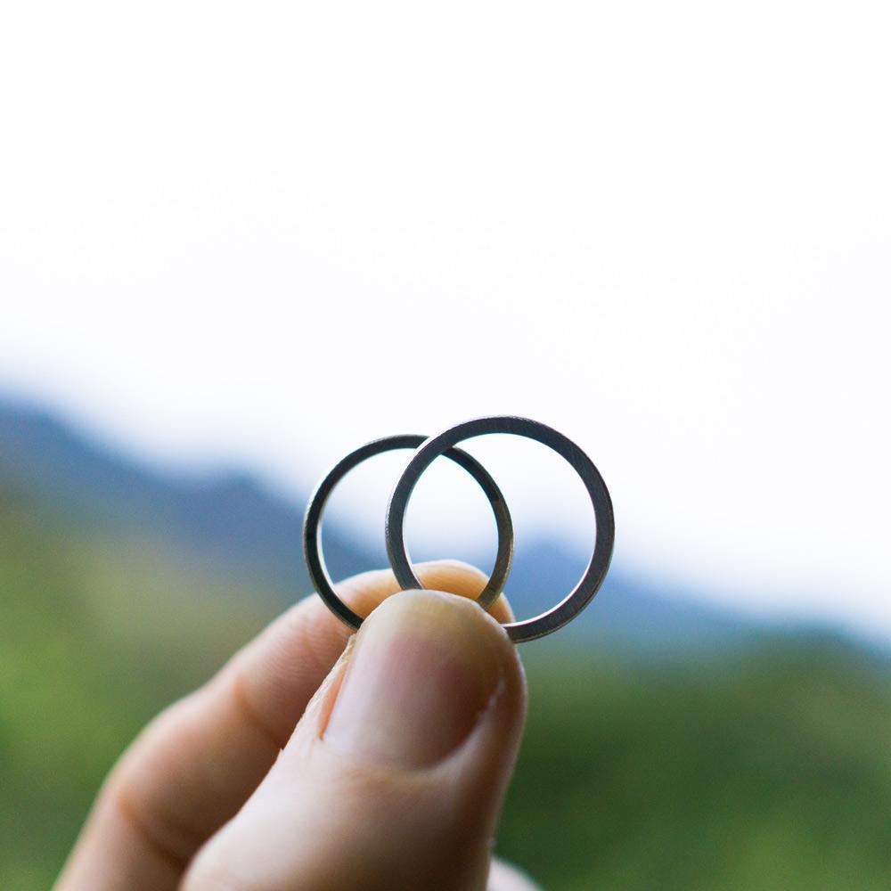 オーダーメイドマリッジリング 屋久島の緑バック 制作途中 プラチナ、ゴールド 屋久島で作る結婚指輪