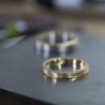 オーダーメイドマリッジリングの制作風景 ジュエリーのアトリエ 屋久島のシダモチーフ ゴールド、プラチナ 屋久島でつくる結婚指輪