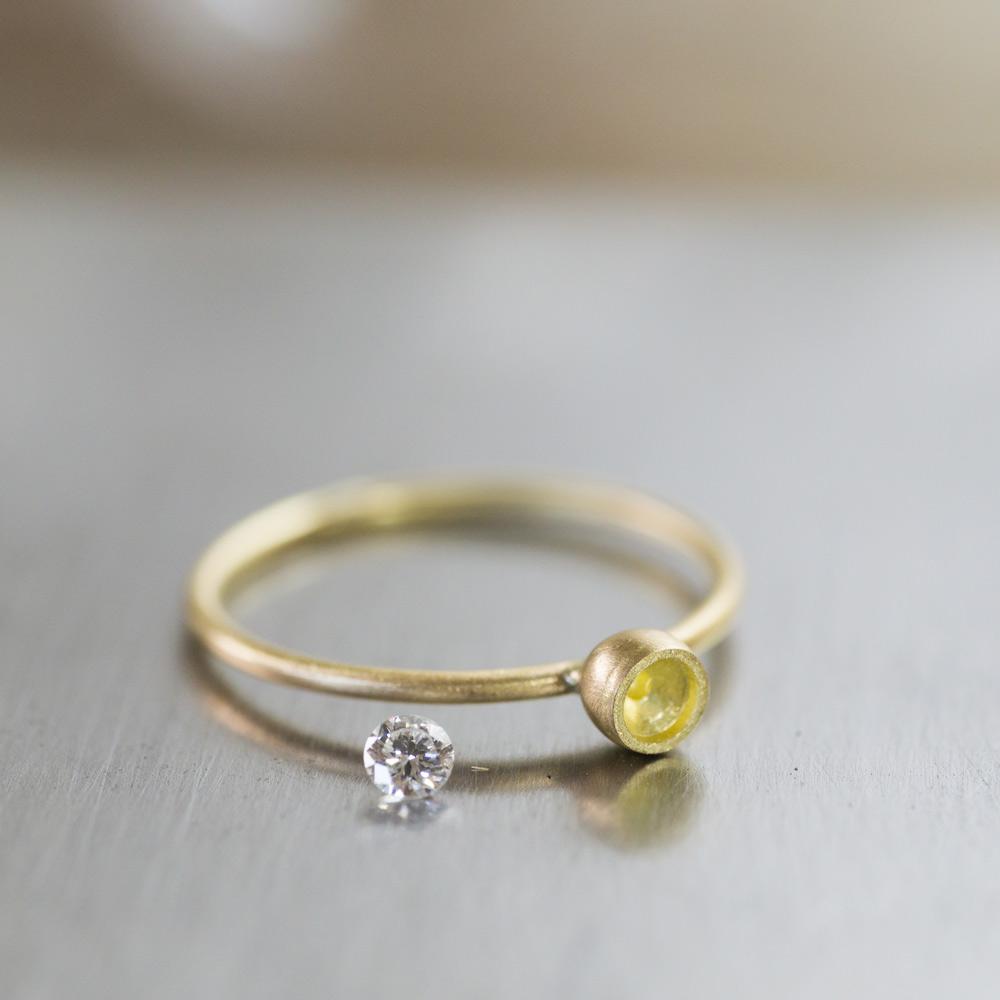 あっ!素敵な巡り会い。ダイヤモンドとイエローゴールド、シンプル婚約指輪作り。