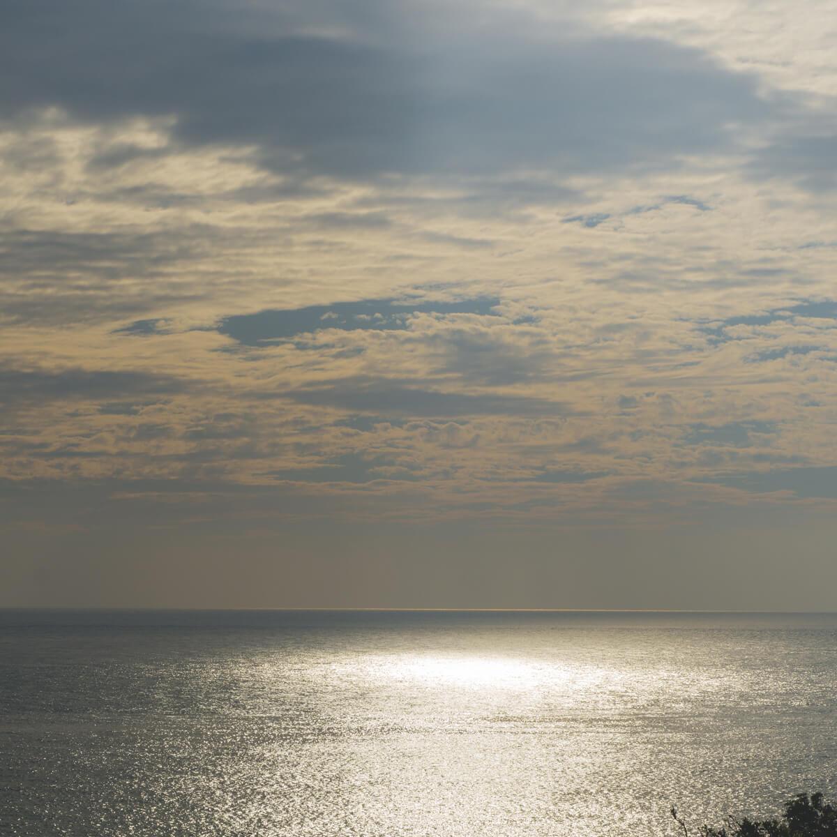 屋久島の海、空 キラキラの海面 屋久島海とジュエリー オーダーメイドマリッジリングのモチーフ