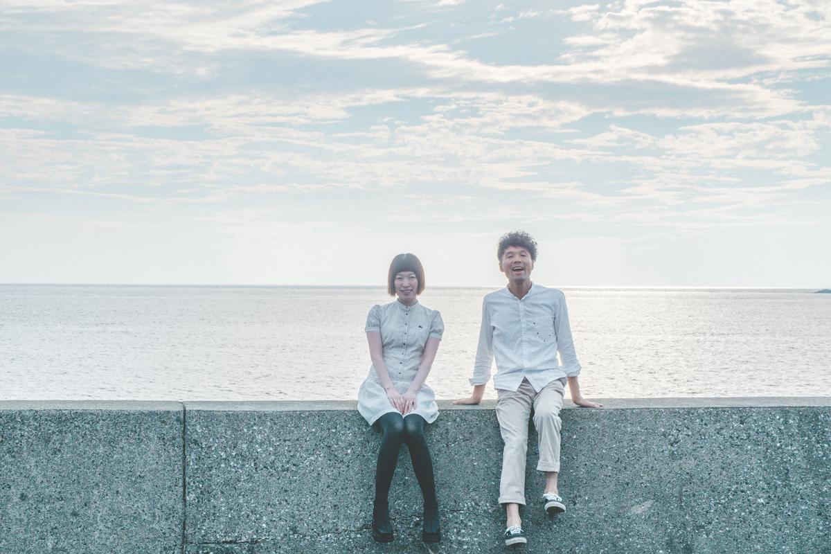 海の前で記念撮影 屋久島日々の暮らしとジュエリー