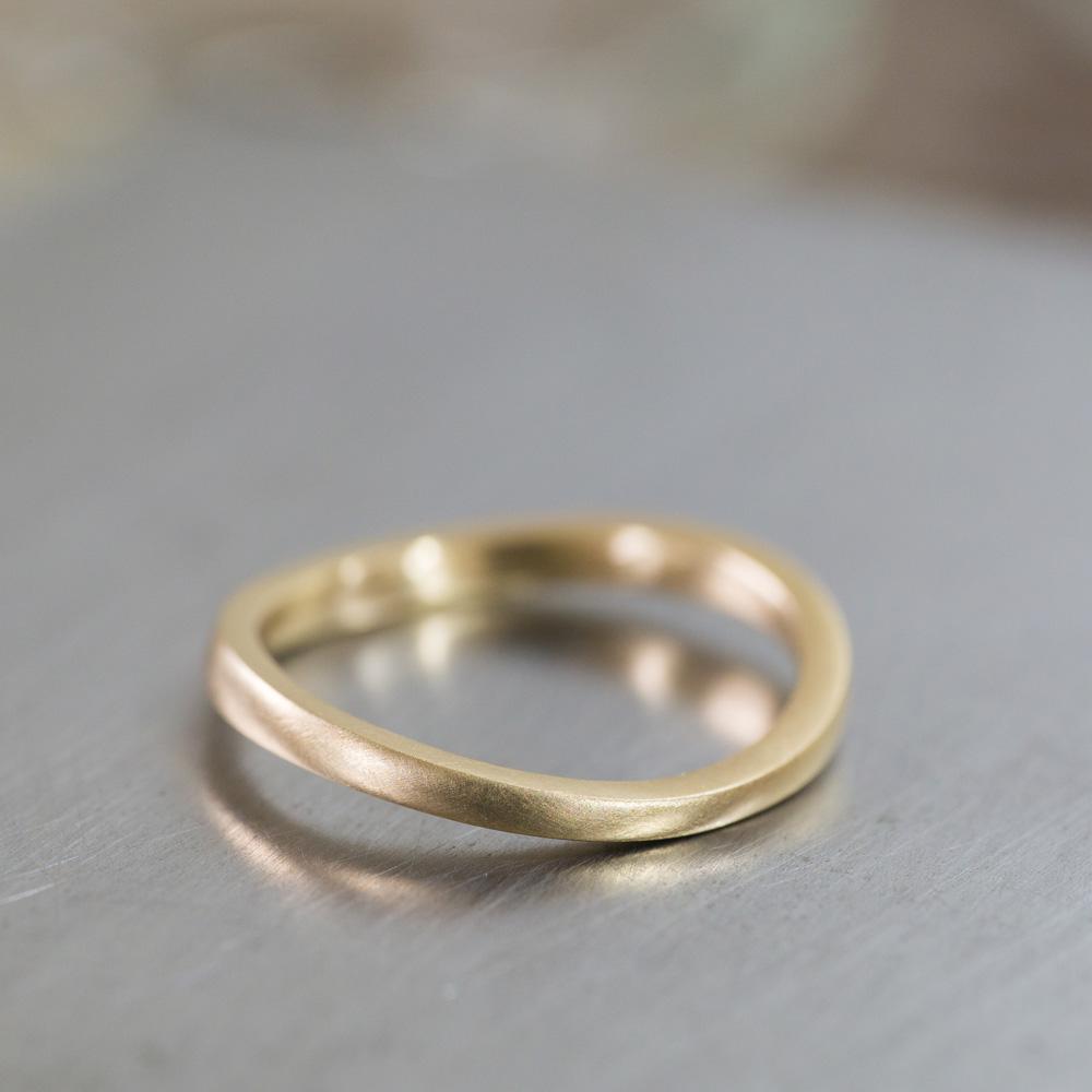 オーダーメイドマリッジリング ジュエリーのアトリエに指輪 ゴールド 屋久島で作る結婚指輪
