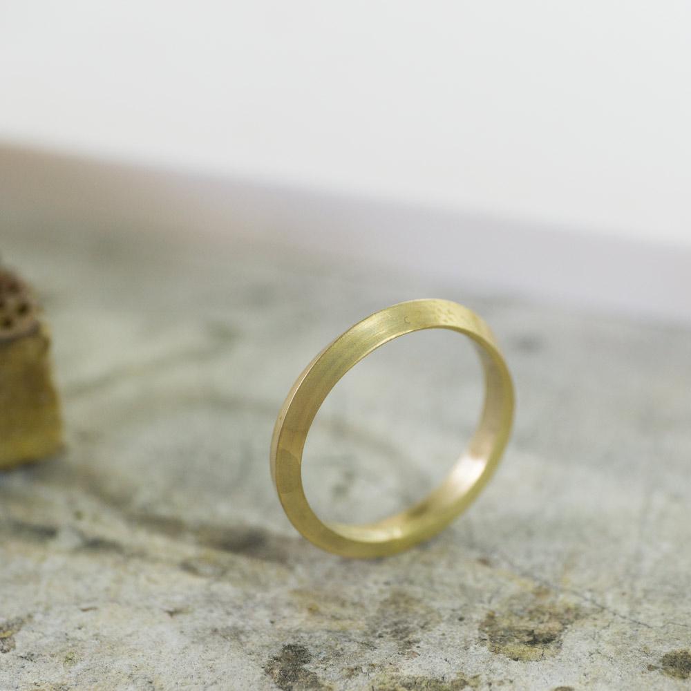 オーダーメイドマリッジリングの制作風景 ジュエリーのアトリエ ゴールドのリング 屋久島で作る結婚指輪