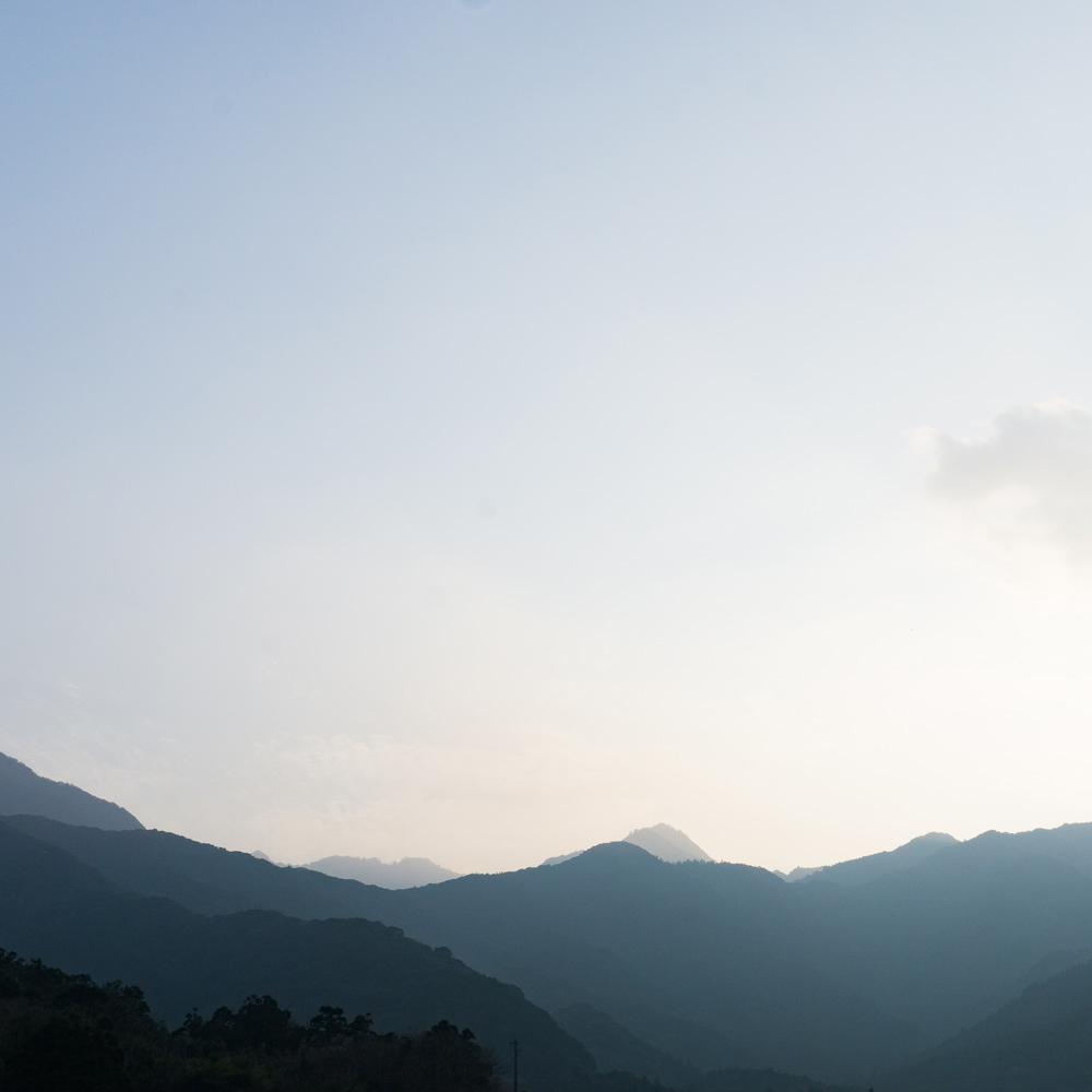 屋久島の山々 夕暮れ時 オーダーメイドマリッジリングのモチーフ 屋久島でつくる結婚指輪