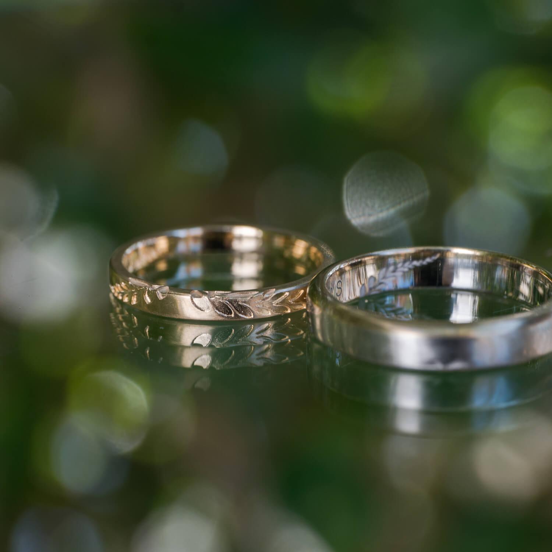 オーダーメイドマリッジリング 屋久島の緑バック ゴールド、プラチナ 屋久島のシダモチーフ 屋久島でつくる結婚指輪