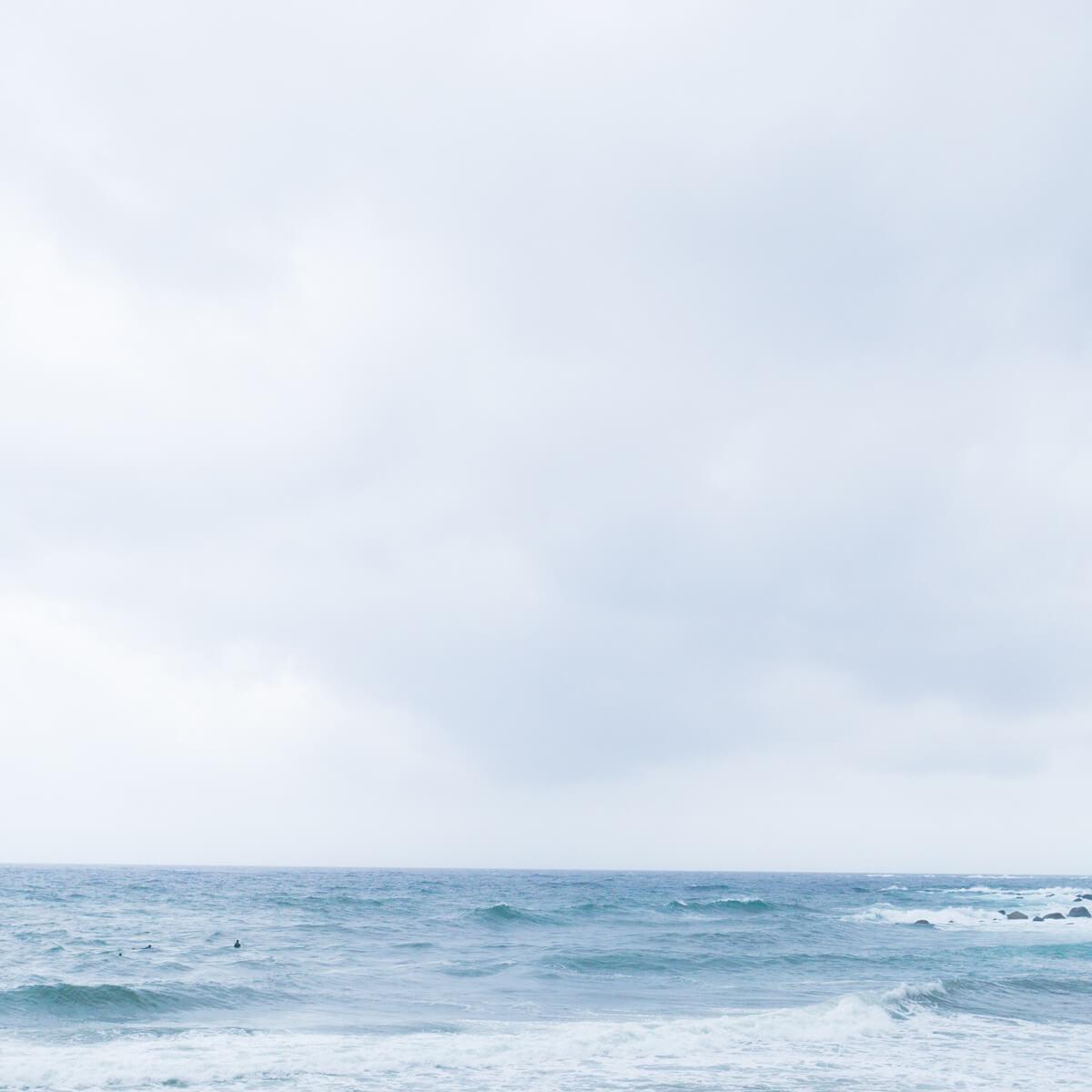 海、スモモ、ツユクサ、月と天然石、小さなピアス、そしてパン #屋久島日々の暮らしとジュエリー