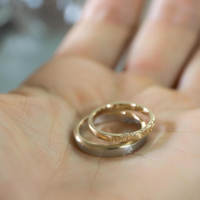オーダーメイドマリッジリング ジュエリーのアトリエ 手のひら ゴールド、プラチナ 屋久島のシダモチーフ 屋久島でつくる結婚指輪