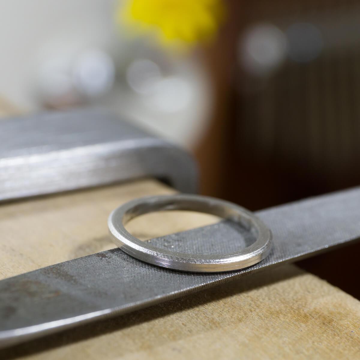 オーダーメイドマリッジリングの制作風景 ジュエリーのアトリエに結婚指輪 プラチナ