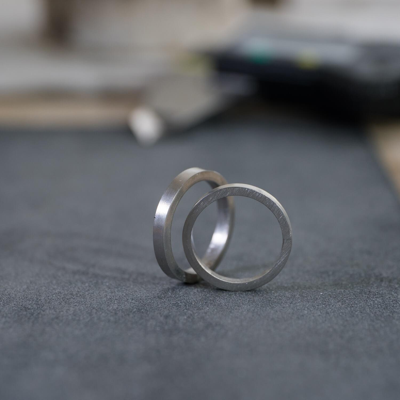 オーダーメイドマリッジリングの制作風景 屋久島ジュエリーのアトリエ プラチナ 屋久島でつくる結婚指輪 屋久島の海モチーフ
