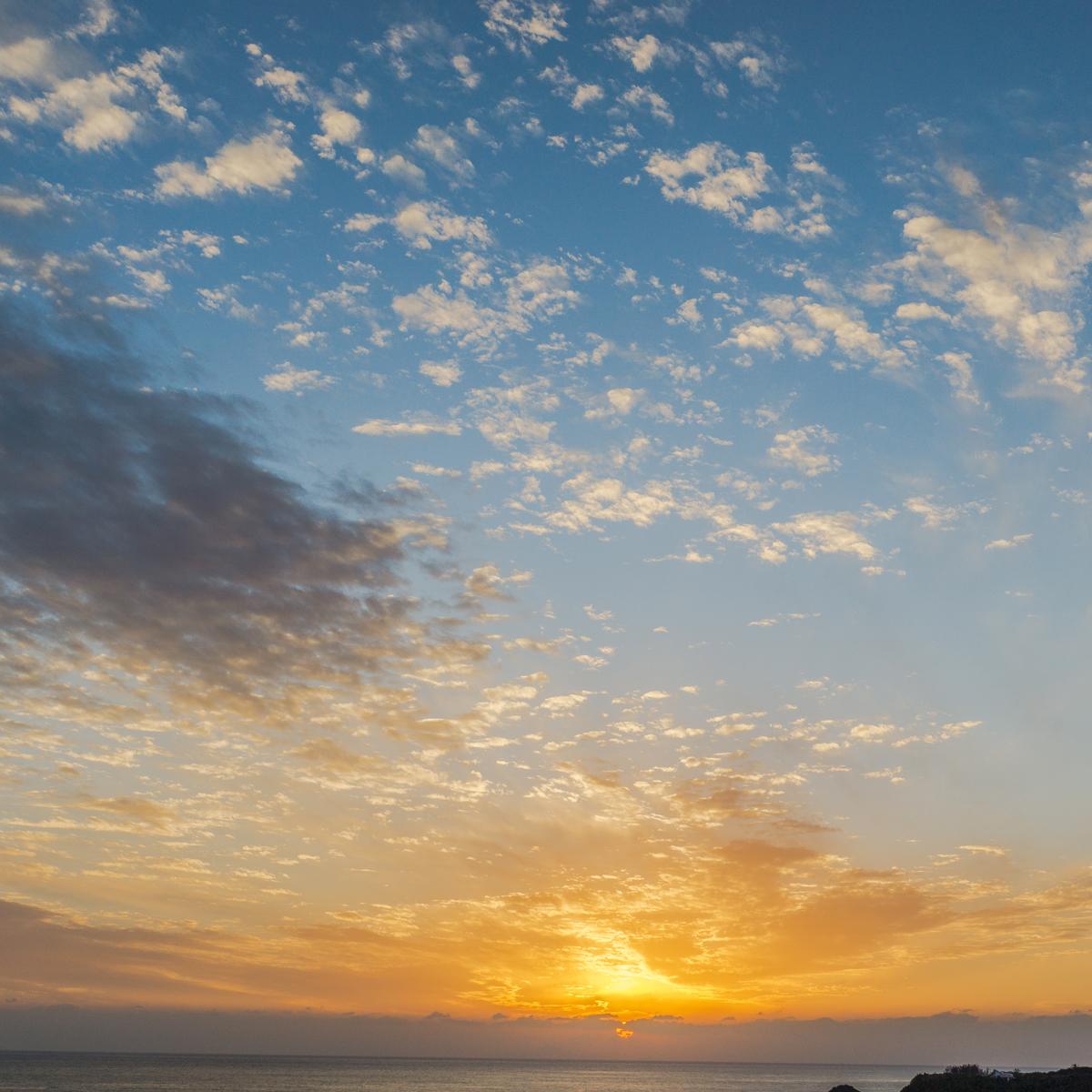屋久島の空 屋久島日々の暮らしとジュエリー 夕暮れ時 オーダーメイドマリッジリングのインスピレーション