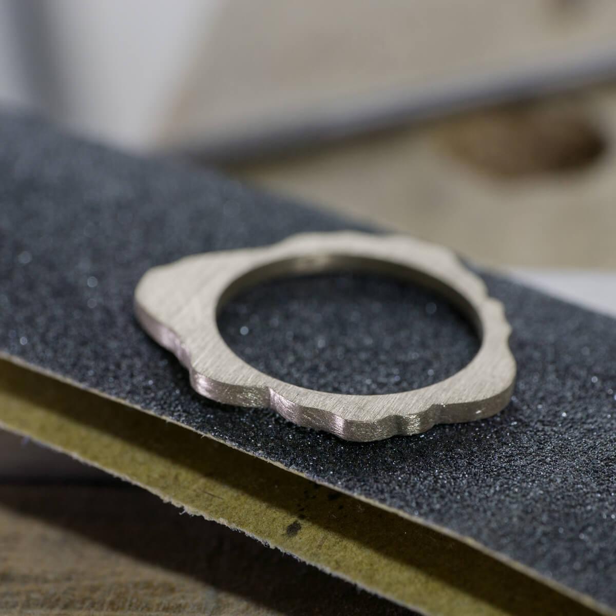 オーダーメイドエンゲージリングの制作風景 ジュエリーのアトリエ シャンパンゴールド 屋久島でつくる結婚指輪