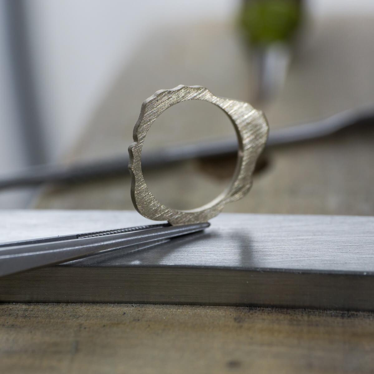オーダーメイドエンゲージリング ジュエリーのアトリエ シャンパンゴールド 屋久島でつくる結婚指輪