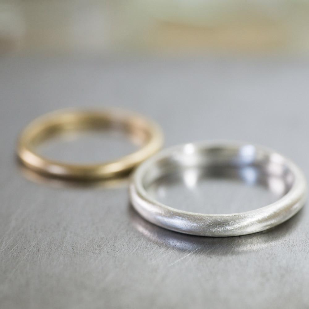 オーダーメイドマリッジリング ジュエリーのアトリエ シルバーにクローズアップ シルバー、ゴールド 屋久島で作る結婚指輪