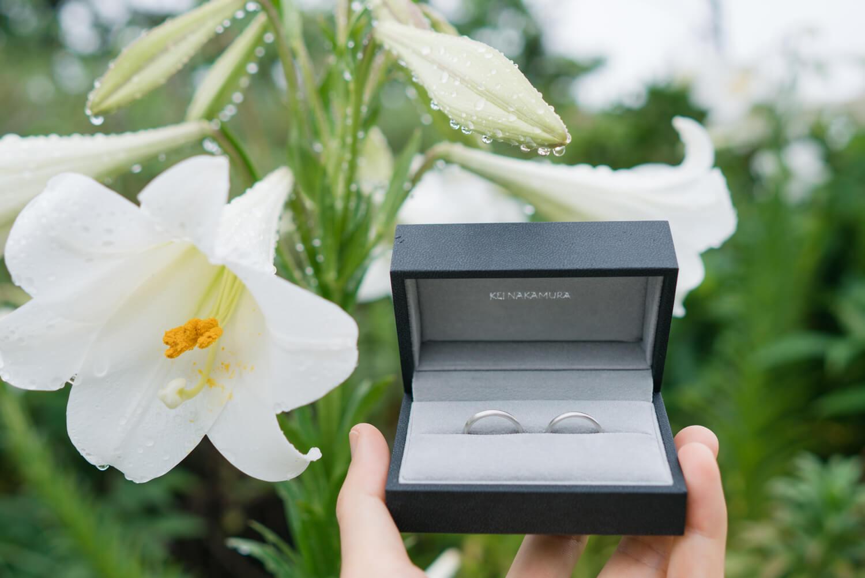 屋久島の百合バック オーダーメイドマリッジリング ケースに入れて プラチナ 屋久島でつくる結婚指輪