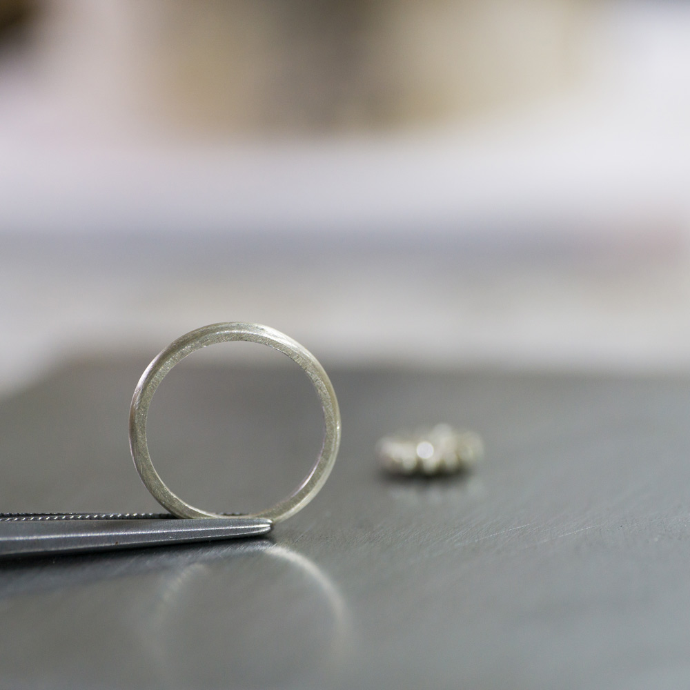 ベビーリングの制作風景 シルバーの指輪 屋久島オーダーメイドでつくるジュエリー
