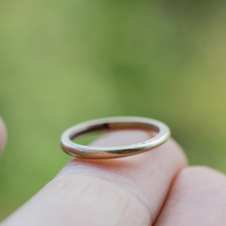オーダーメイドマリッジリングの制作過程 屋久島の緑バック ゴールド 屋久島でつくる結婚指輪