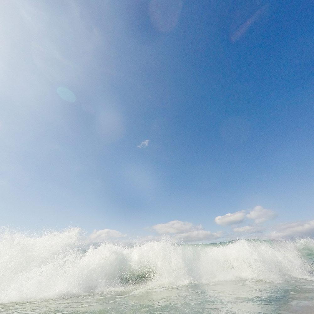 屋久島 なみ、雲空、光 海とジュエリー