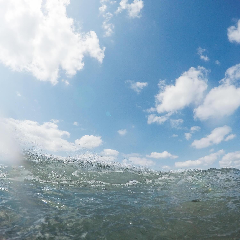 場面2 屋久島の海、空、ビーチ 屋久島海とジュエリー オーダーメイドマリッジリングのモチーフ