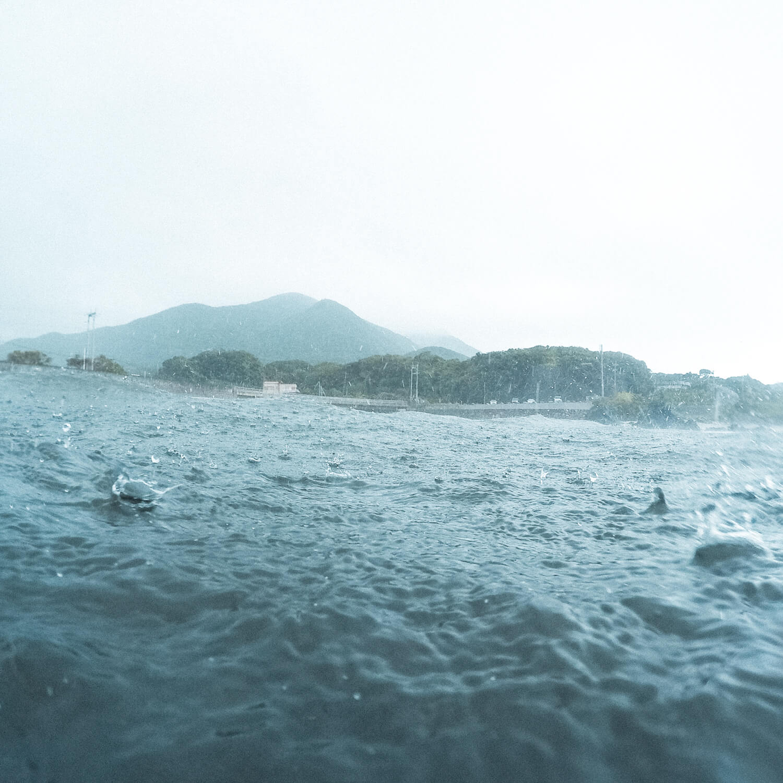 場面2 屋久島の海、空、雨 屋久島海とジュエリー オーダーメイドマリッジリングのモチーフ 屋久島でつくる結婚指輪