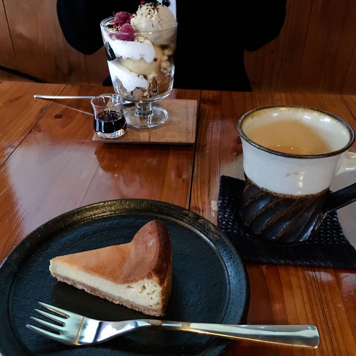 屋久島のカフェ、入り口 オーダーメイドマリッジリングのインスピレーション 屋久島日々の暮らしとジュエリー