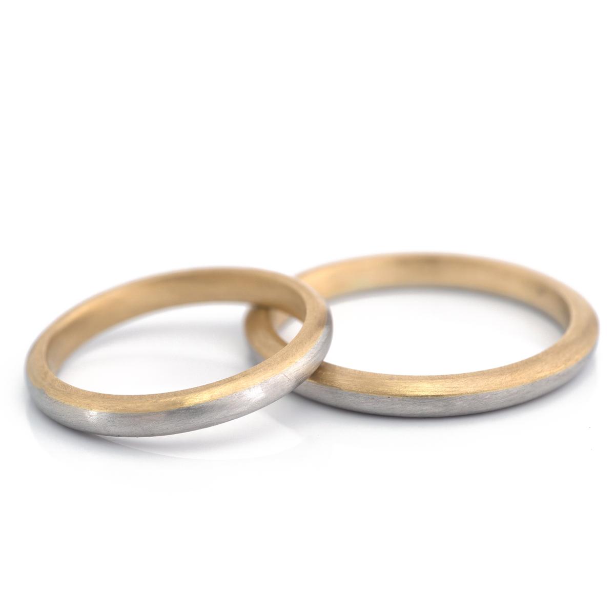 オーダーメイド結婚指輪 白バック 屋久島の水平線モチーフ プラチナ、ゴールド 屋久島でつくる結婚指輪