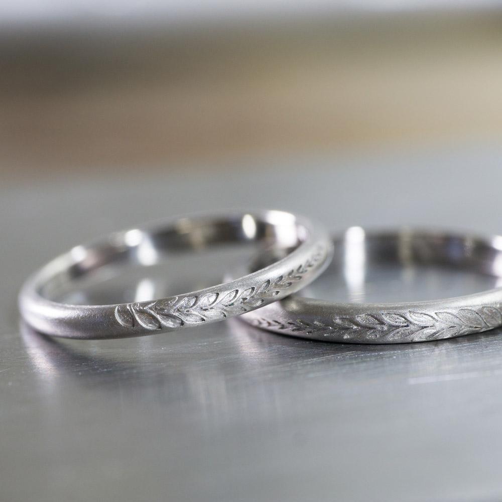 オーダーメイドマリッジリング ジュエリーのアトリエに指輪 プラチナ 屋久島のシダ模様 屋久島で作る結婚指輪