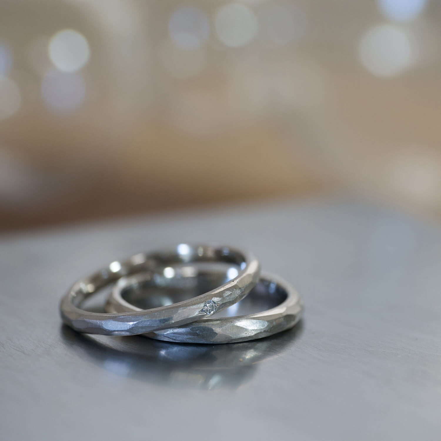 2.0mm and 2.3mm platinum with hammered texture #屋久島でつくる結婚指輪