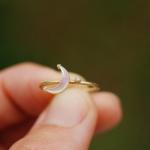 月と星の指輪 屋久島の緑バック 夜光貝、ゴールド、ダイヤモンド