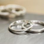 スクエアタイプのリングをお二人のサイズで、お好みのボリュームに合わせて仕上げ