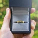 屋久島で作る結婚指輪 ゴールドのリング ケース 木漏れ日 ダイヤモンド