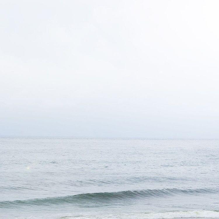 屋久島霧に包まれた海