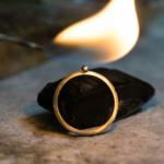 オーダーメイド結婚指輪の制作風景 プラチナ、火 屋久島で作る結婚指輪