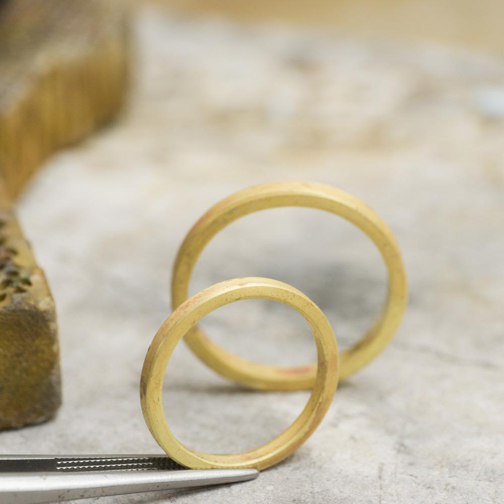 ハンドメイドジュエリー ゴールドリング 屋久島でつくる結婚指輪