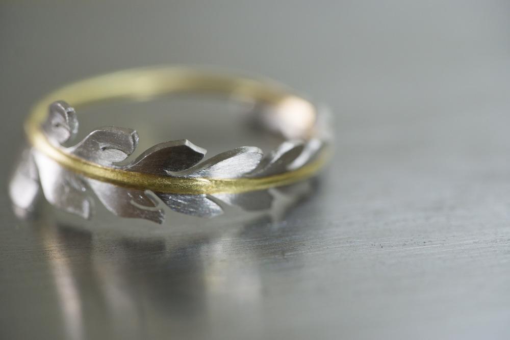 ジュエリーの制作風景 シダの指輪 プラチナ、ゴールド 屋久島でオーダーメイド