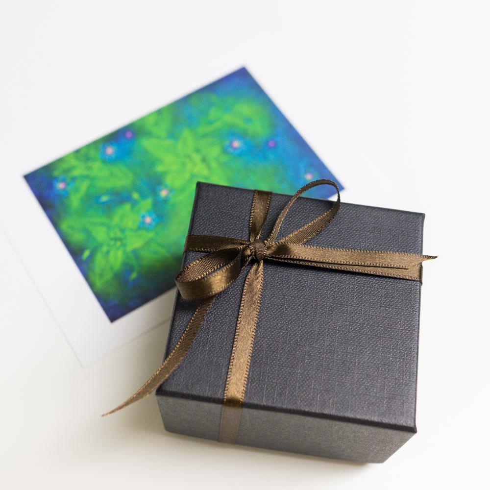 ジュエリーケース、リボン カード プレゼントのオーダーメイドジュエリー