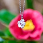 屋久島のリング椿と椿のネックレス シルバー、ゴールド ハンドメイドジュエリー