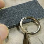 結婚指輪の制作風景 ゴールドの指輪 屋久島でつくる結婚指輪