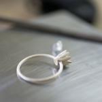 婚約指輪の制作風景 シルバーお花リング オーダーメイドのマリッジリング ダイヤモンド