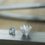 オーダーメイドのエンゲージリング 制作風景 お花の石枠、ダイヤモンド