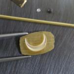 ハンドメイドリングの制作風景 ゴールド、夜光貝、ダイヤモンド