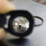 制作風景 ルーペゴし、お花の指輪 シルバー 屋久島でつくる婚約指輪