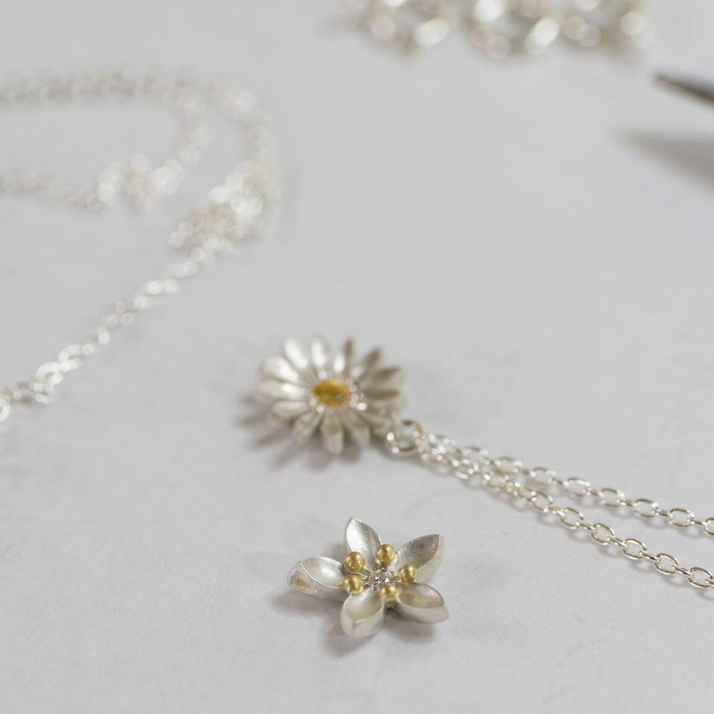 お花のネックレス 屋久島の季節を纏う シルバー