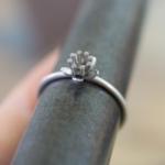 ジュエリーの制作風景 お花の指輪 プラチナ 屋久島でつくる婚約指輪
