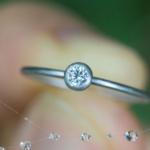 雨の雫とエンゲージリング プラチナ、ダイヤモンド 屋久島でつくる婚約指輪