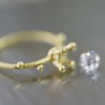 リメイクジュエリーの制作風景 ゴールドのリング、ダイヤモンド 屋久島で作る婚約指輪